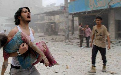 Pourquoi nous ne croyons pas à l'utilisation d'armes chimiques par l'Etat syrien : la preuve par la mise en scène déjà faite en Syrie depuis 2013