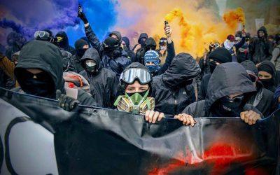 Trucs et astuces pour participer à une manif de gauche en sous-marin